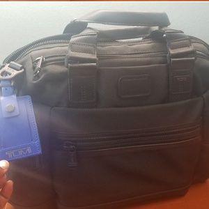 💥💥Brand NEW Black TUMI Briefcase11in(H)×16in(W)×